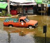 Flooding in the Pak Kret area of Bangkok, Thailand in 2011. Image: Philip Roeland/Flickr.