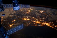 Nighttime photograph of the eastern coast of the United States seen from ISS.