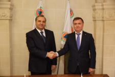 Russian Minister of Emergency Situations Vladimir Puchkov and Secretary-General of ICDO Vladimir Kuvshinov