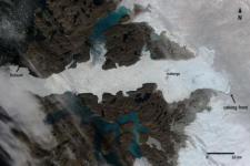 Satellite image of Jakobshavn glacier´s calving process (Image: ESA)