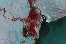 Floods imaged by Copernicus Sentinel-1.