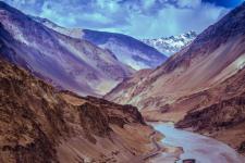 Runoff water of melting glaciers in the Himalayas. Image: Suket Dedhia.