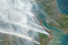 Recently, fire hot spots decreased in consequence of heavy rainfalls (Image: NASA).