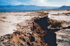 El hundimiento de la tierra en California debido a la retirada de las aguas subterráneas. Imagen: USGS.
