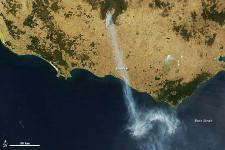 large bush fires burning in southwestern Victoria on February 18, 2013