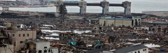 The Japanese coastal town of Otsuchi few days after the earthquake and tsunami on March 11, 2011. Image: Al Jazeera/Flickr.