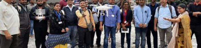 Training participants flying an UAV. Image: UNOOSA.